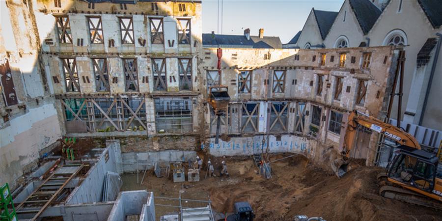 visite-de-chantier-du-cinema-place-henri-iv-2019-09-21-0e2dc348d0cb40c09d54e02a75e295e1_sb900x600_bb0x0x900x450